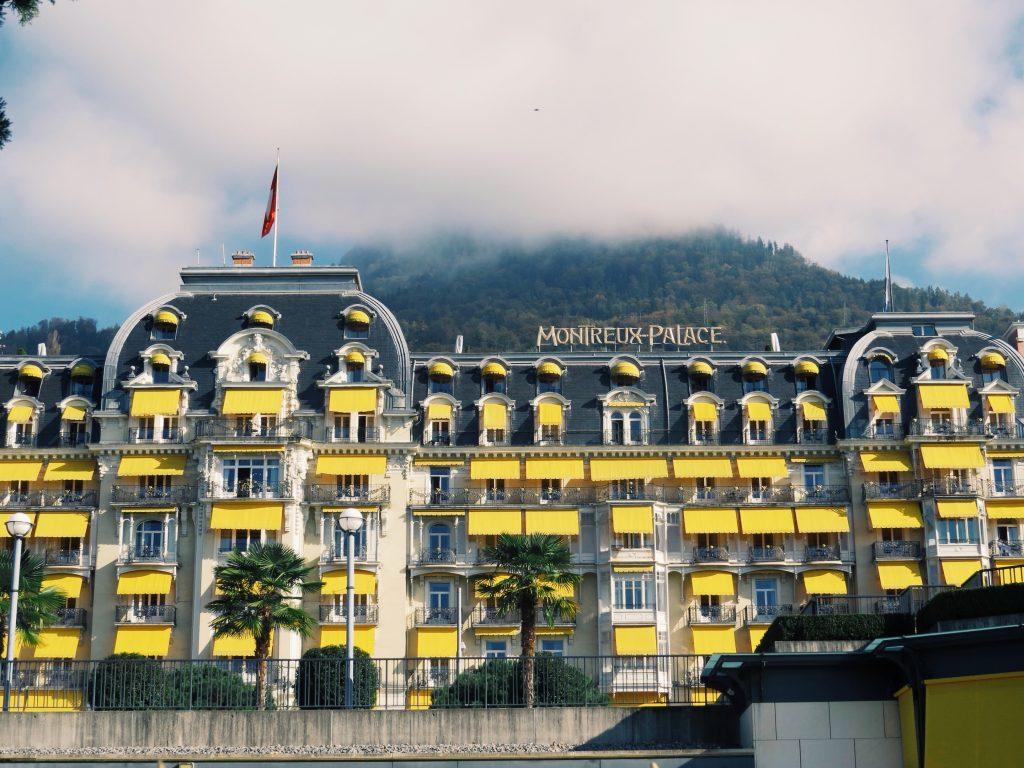Именно в этом отеле проживал Набоков в Монтре