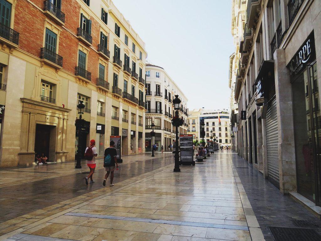 Calle Marques de Larios -  Главная шоппинг-улица